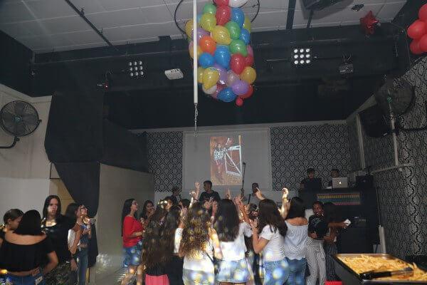 ילדים חוגגים יום הולדת במועדון פעם בחיים
